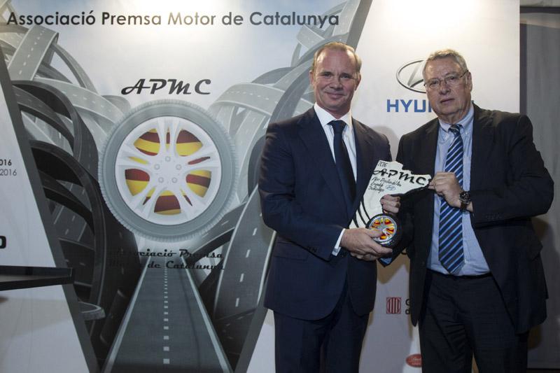 Premios Asociació Premsa Motor Catalunya. Mejor coche del año 2016 : Kía Sorento. Mejor directivo del año 2016:Leopóldo Satrústegui (Hyundai)